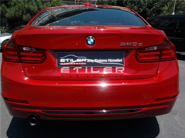 Kırmızı BMW 3.20 Dizel Arka Görünüm