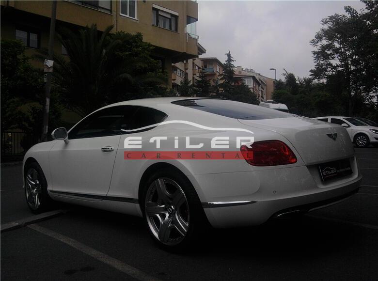Beyaz Bentley Continental Arka Soldan Görünüm