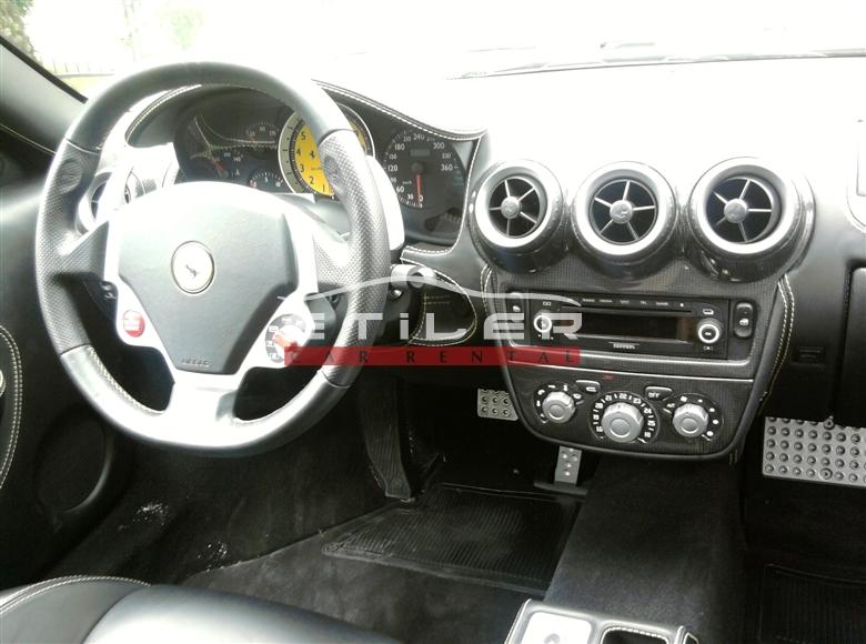 Siyah Ferrari F430 İç Görünüm