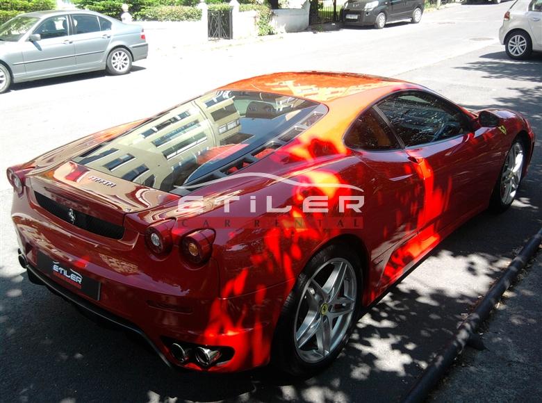 Kırmızı Ferrari F430 Sağ Arka Görünüm