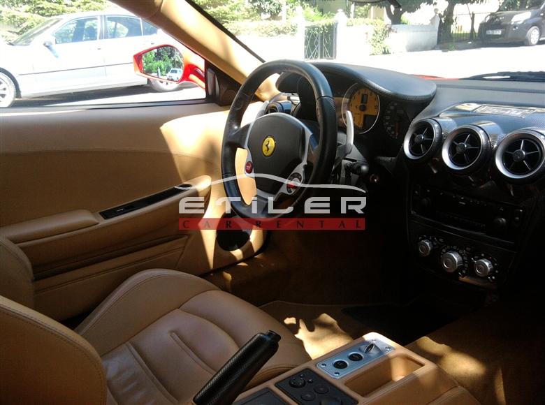 Kırmızı Ferrari F430 İç Görünüm