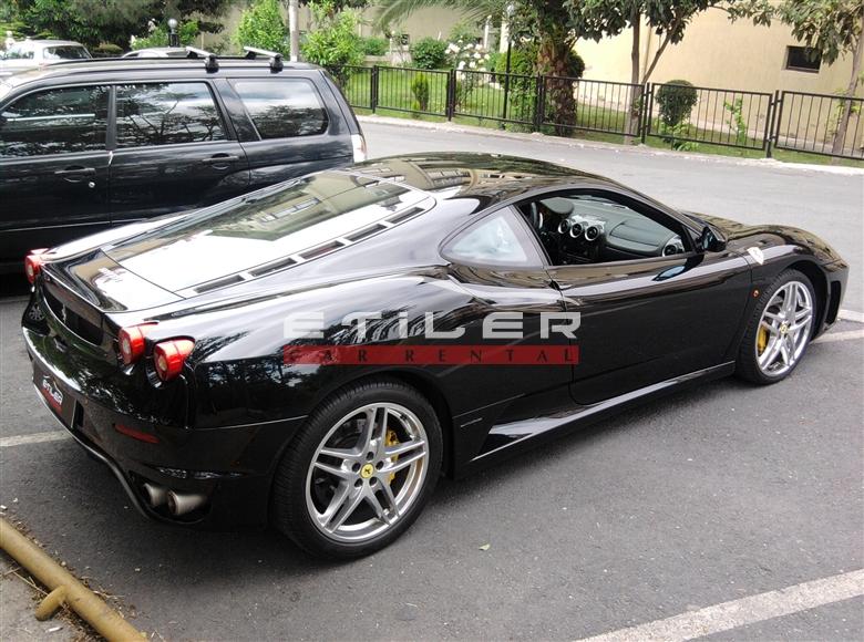 Siyah Ferrari F430 Sağ Görünüm