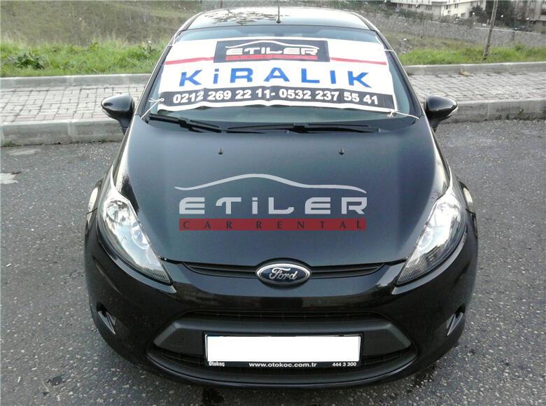 Siyah Ford Fiesta Ön Görünüm