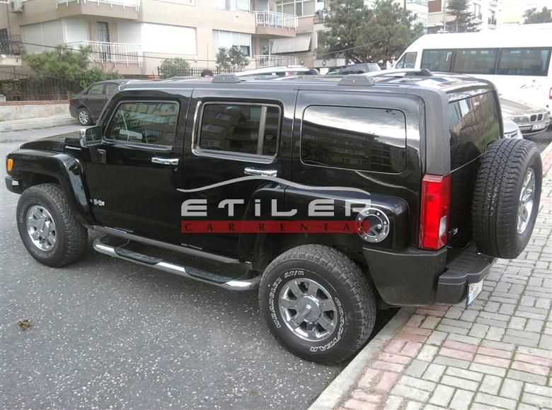 Siyah Hummer H3 Soldan Görünüm