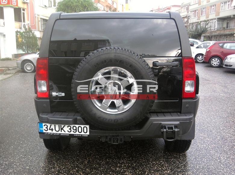 Siyah Hummer H3 Arkadan Görünüm