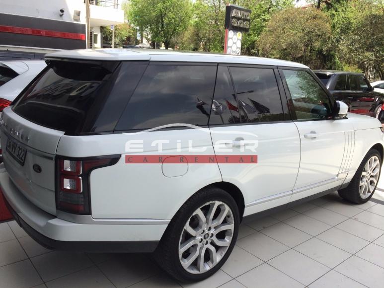 Beyaz Range Rover Sağ Ön Görünüm