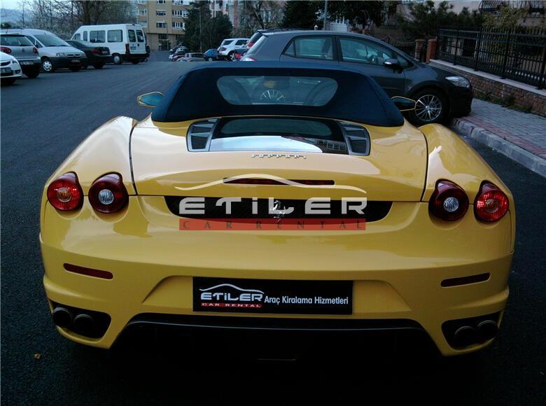 Sarı Ferrari F430 F1 Spider Arka Görünüm